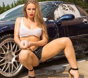 Nicole Aniston - Sexy Autowäsche